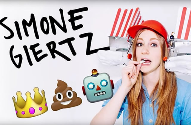 Simone Grietz et son robot débile font le challenge « 1000 layers of make-up »