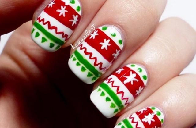 Le nail-art « pull de Noël » met les fêtes jusqu'au bout de vos ongles !