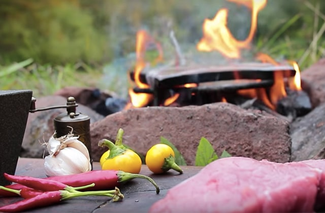 Cooking in the forest, ou l'ASMR de la bouffe sur YouTube