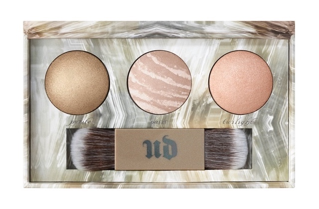 Urban Decay sort Naked Illuminated Trio, une palette d'highlighters pour scintiller à Noël !