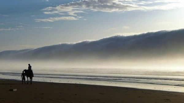 2_-_claire_nuage_sur_la_ci%e2%95%a0cte_marocaine1