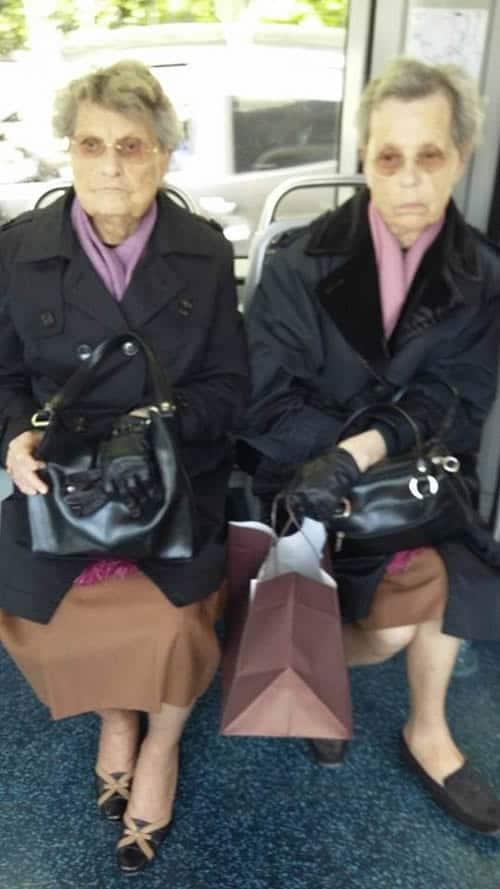 31-apolline-mamie-twining-dans-le-tram-bordelais