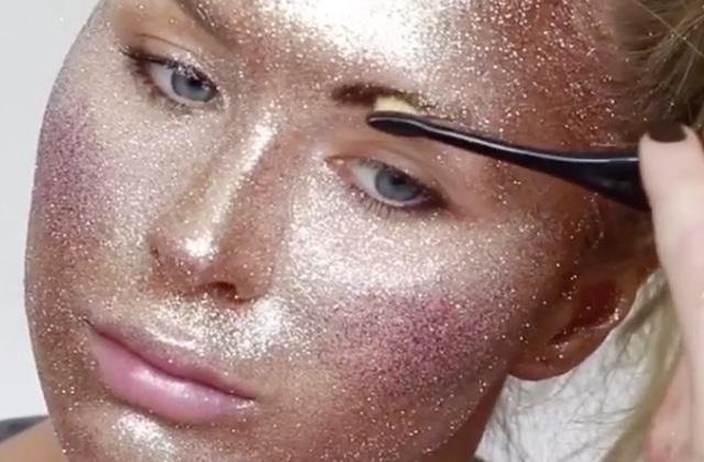 Remplacer tout son maquillage par des paillettes, une idée… pétillante