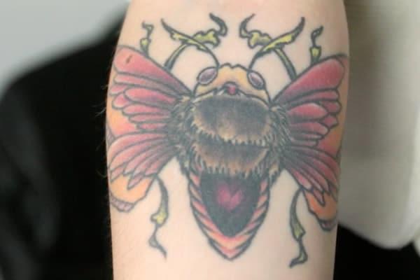 street-tattoos-emy-hommages-papillon