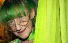 Découvrez The Green Lady, la femme qui ne porte QUE du vert depuis 20ans