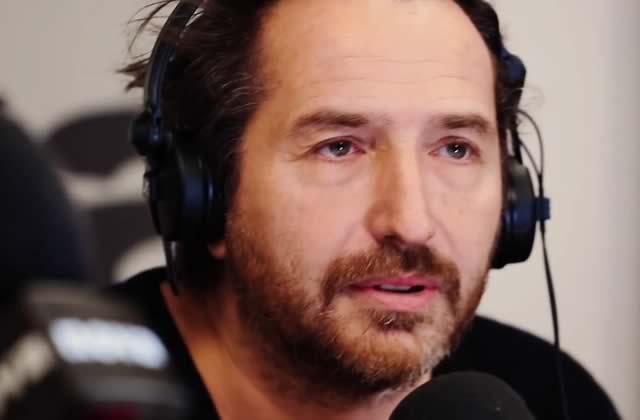 Édouard Baer, de Radio Nova, s'incruste dans la matinale de France Inter et c'est parfait!