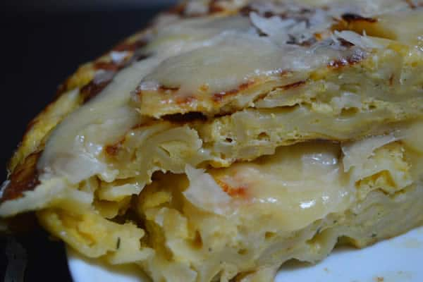 omelette fromage pâtes cantal