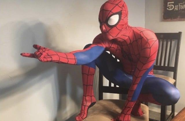 Le shooting photo sexy de Spider-Man va te faire oublier ton arachnophobie