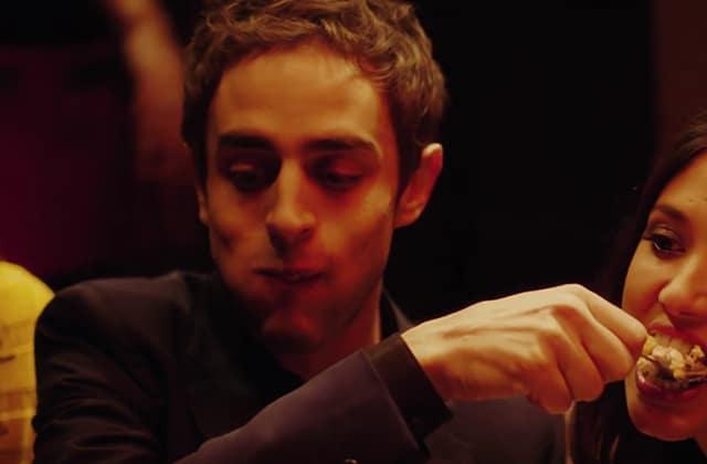 Benjamin Siksou s'enivre de plaisirs charnels dans le clip de «Tomber du camion»