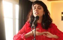 Charlotte OC interprète son titre envoûtant et puissant Darkest Hour