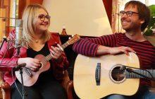 Lola Dubini fête la Saint-Valentin en reprenant «Shape of You» mêlées à d'autres chansons d'amour
