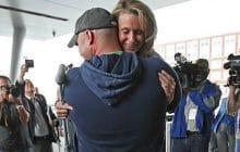 La belle histoire de la femme blessée pendant l'attentat de Boston… et du pompier qui l'a sauvée