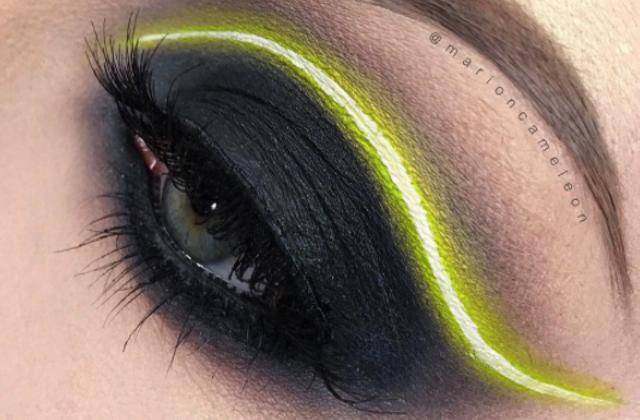 Après les yeux revolver, les yeux sabre laser grâce au maquillage néon