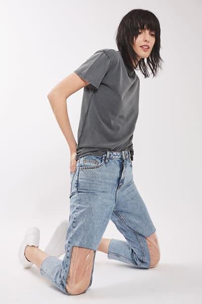 mom-jean-genoux-plastique