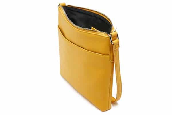 sac-jaune-portrait