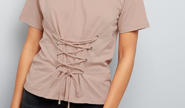 t-shirt-lacé