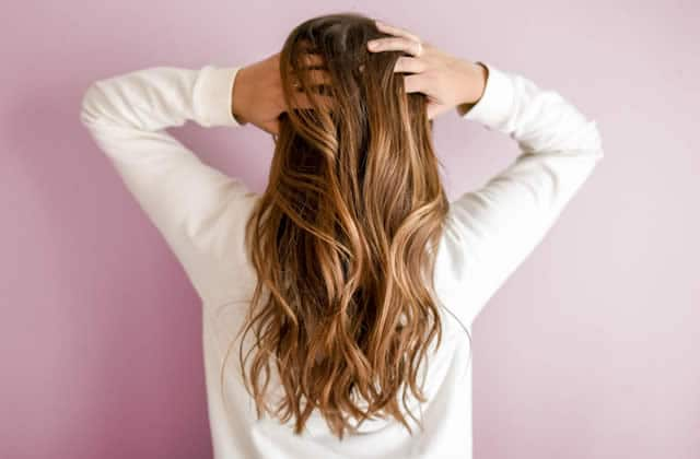 La cure de sébum, une méthode pour prendre soin de ses cheveux