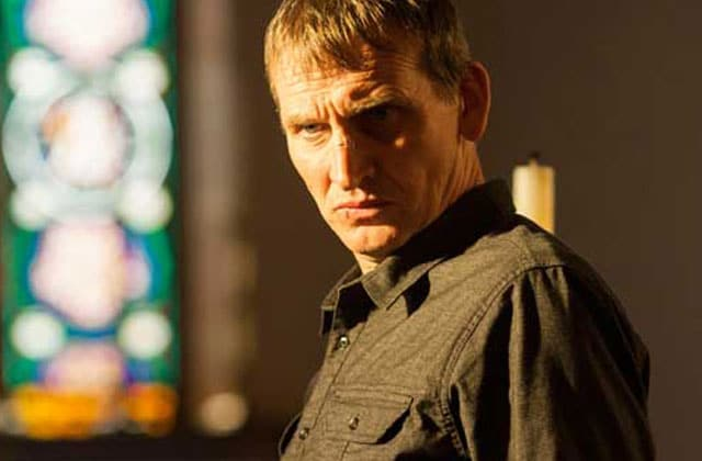 Pourquoi il faut absolument regarder The Leftovers selon Christopher Eccleston