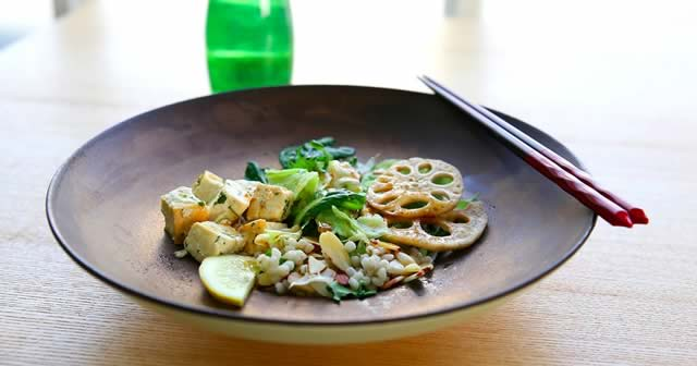 Comment cuisiner le tofu en trois recettes faciles - Cuisiner le tofu nature ...
