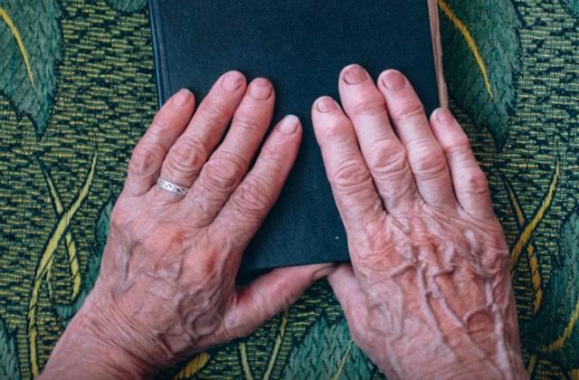 Le récit fascinant d'un homme de 83 ans qui raconte sa vie sexuelle