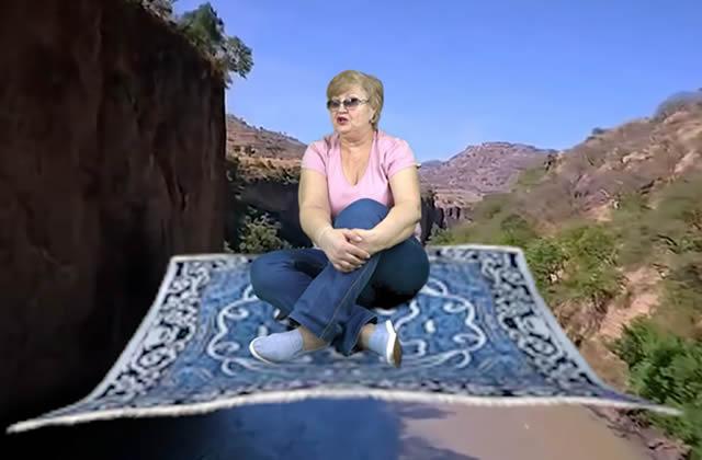 L'hilarante vieille dame russe devenue reine du fond vert