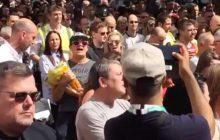 Quand la minute de silence à Manchester se mue en chorale improvisée sur un titre d'Oasis