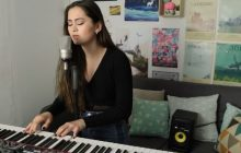 Jasmine Thompson reprend Mad World dans un piano-voix sensible