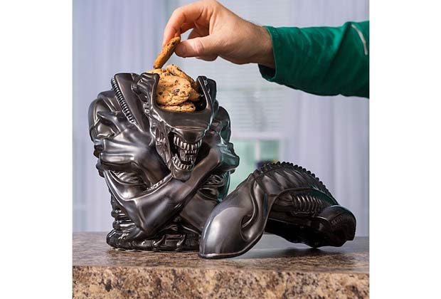 boite-gateaux-alien