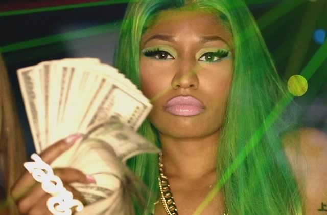 Nicki Minaj fait flamber sa carte bleue pour aider des étudiants américains