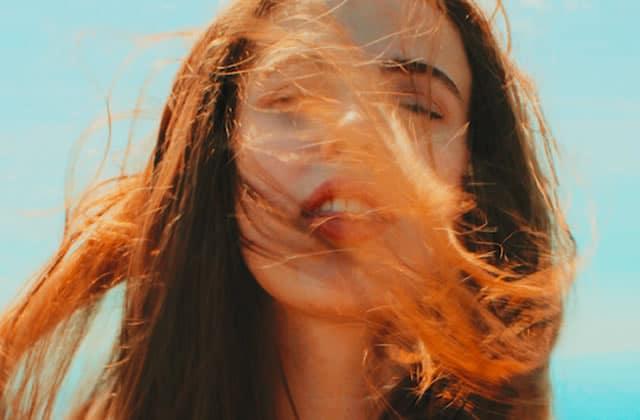 Les brumes cheveux parfumées, pour une chevelure qui ne sentira plus jamais le graillon