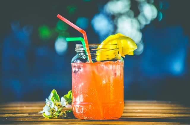 5 recettes de jus faits maison, vitaminés et bienfaisants à siroter cet été