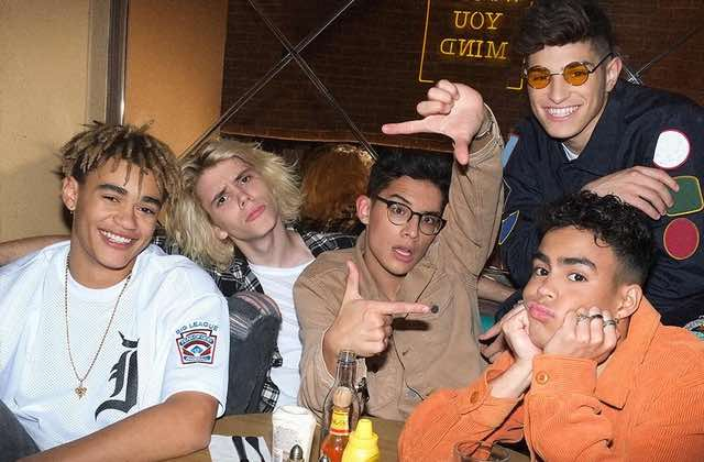 Le boys band PRETTYMUCH sera-t-il la relève des One Direction ?