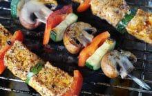 Trois recettes pour devenir le boss des brochettes (et des barbecues du coup)