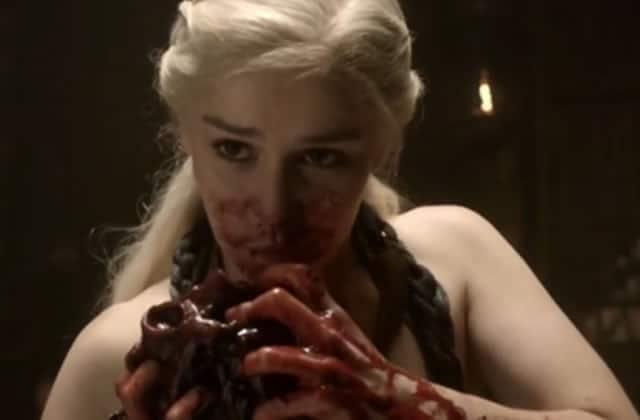 11 scènes de Game of Thrones qui m'ont fait regretter d'être en train de manger devant l'épisode