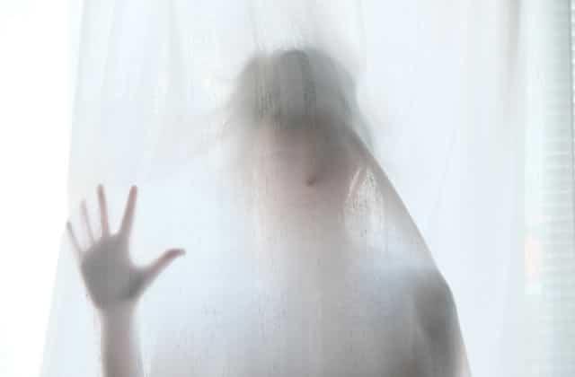 Mon appartement est hanté par le fantôme d'un enfant mort : une histoire qui fait peur