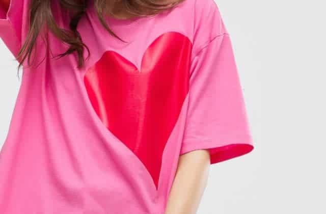 Deux idées de looks pour mixer le rose et le rouge sur sa tenue
