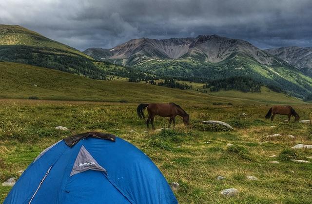 Évadez-vous avec ce récit d'un trek à cheval au Kazakhstan