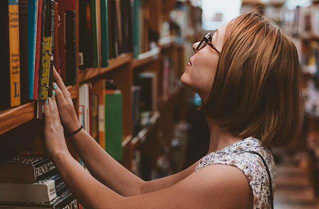 Cinq épatantes raisons de t'inscrire à la bibliothèque cette année