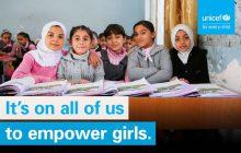 C'est la Journée Internationale de la Fille, et c'est très sérieux
