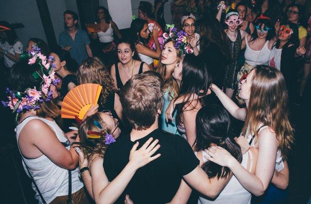 Viens danser gratuitement à une soirée électro-tropical ce vendredi à la Bellevilloise
