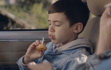 Je suis mes 8 ans, un court-métrage touchant sur une mère et son fils