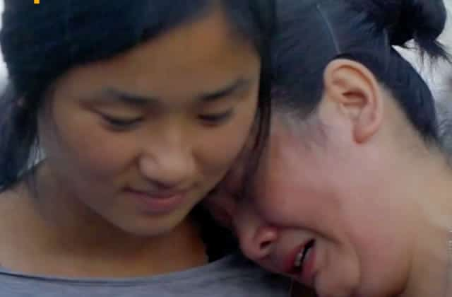 Une enfant adoptée retrouve ses parents biologiques, 20 ans après