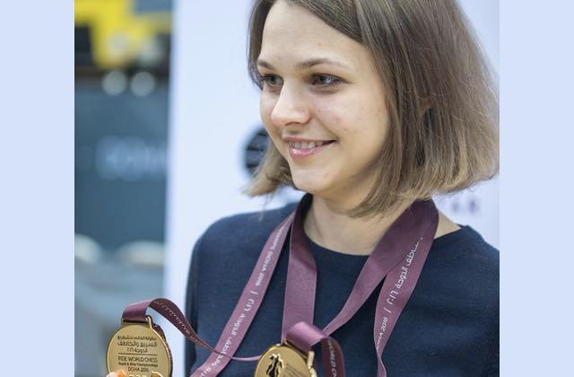 Échec et mat pour l'oppression : la double championne du monde remporte la partie