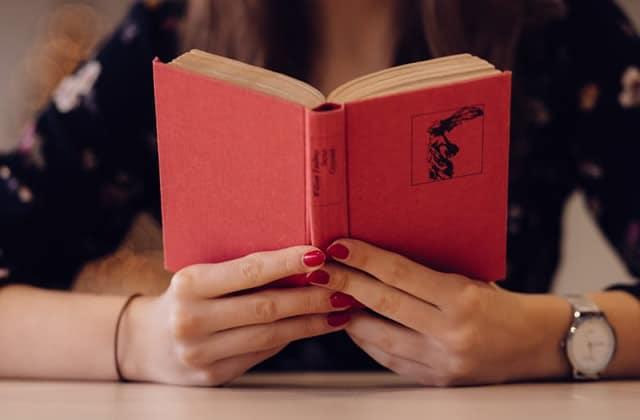 12 cadeaux culturels autour du féminisme pour répandre la bonne parole à Noël
