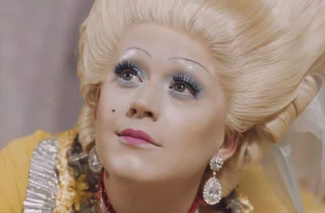 Katy Perry en Marie-Antoinette et Jeanne d'Arc dans le clip de Hey Hey Hey