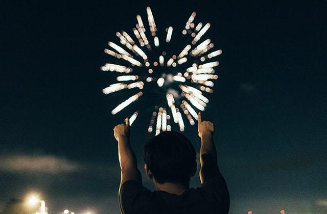 Voici comment choisir LA chanson du Nouvel An qui tombera à pic