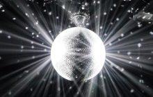 Laisse notre playlist du Nouvel An 2018 te faire passer une soirée defeu