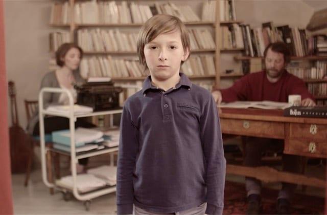 Quand un enfant malentendant découvre le bruit… et ses aspects relou!