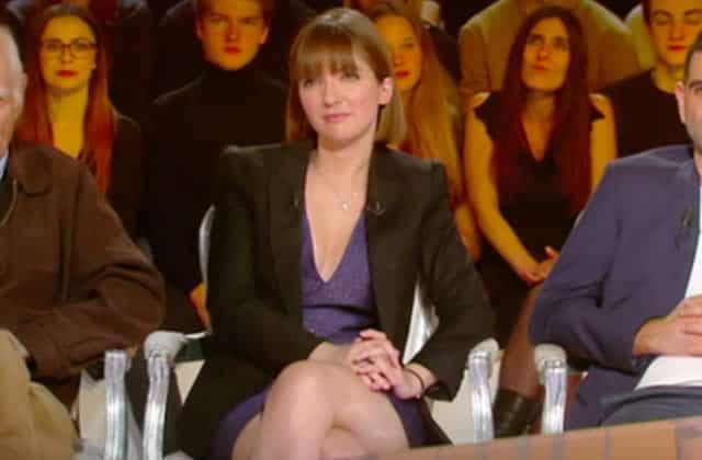 Personne n'a entendu Aurore Bergé à la télévision, sa robe causait trop fort!