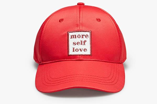 casquette rouge stradivarius